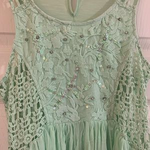 Buckle Tops - Gimmicks by BKE beaded crochet lace top